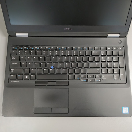 "Rabljeni laptop Rabljen  Dell Latitude E5570 / i5 / RAM 8 GB / SSD Disk / 15,6"" / HD"